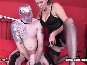 kinky victim gasping and screwing femdoms massive belt dick pecker