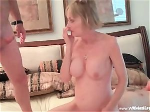 Intoxicating 3some With fledgling GILF