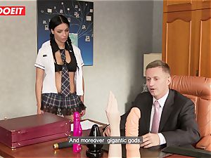 ultra-kinky school girl puts all Kind of Things in Her backside