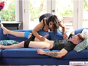 milf Raven Hart pounces on some prey in her lair