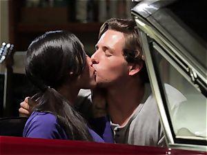 Chloe Amour pokes in her boyfriends fresh car