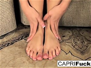 Capri plays with her cooter and soles