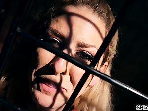 Spizoo - Pet Cherie De Ville is boinked by 2 ginormous penises