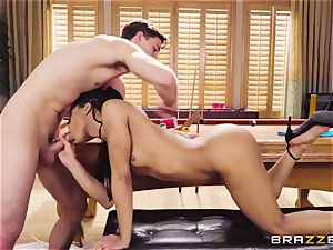 slender ebony chick Kira Noir entices a youthful guy and takes his boner