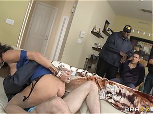 Criminals wifey Jessica Jaymes penetrated by a steamy cop