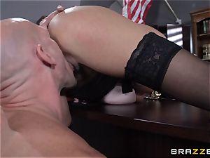 Warden Ariella Ferrera porks her favourite prisoner