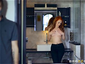 killer ginger-haired Ella Hughes romped by masked guy