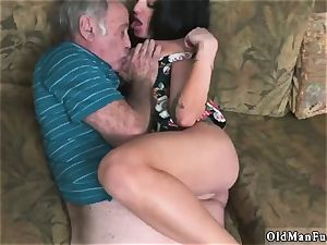 older stud penetrate nubile hd and fellows urinate on Frannkie s a fast learner!