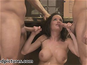 Veronica Avluv gets her revenge with a red-hot 3some