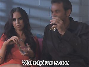 Brandy Aniston picks up a scorching stud at a bar for a screw